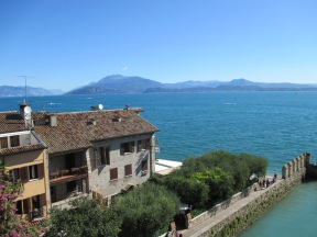 Vista del Castello Scaligero Sirmione