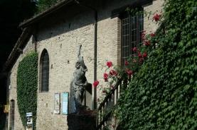 Statua a Grazzano Visconti