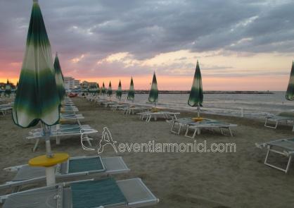 Spiaggia al tramonto San Mauro