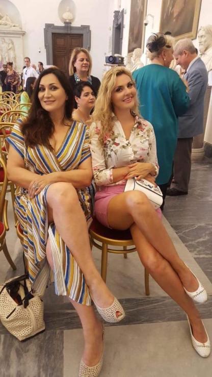 La cantautrice Giò Di Sarno con la Stilista Francesca AnastasiSublime
